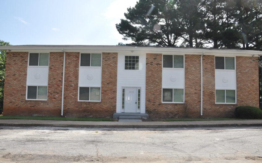 Decatur Line St Apartments
